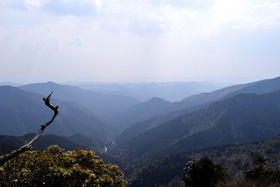 工石山山頂から高知平野や太平洋を望む絶景ポイントで小休止♪