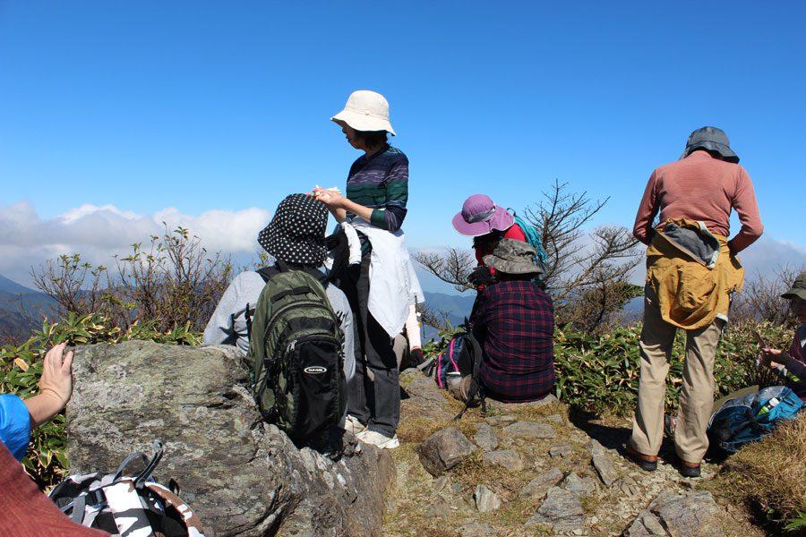 黒森山頂に到着。360度パノラマの絶景がご覧になれます。