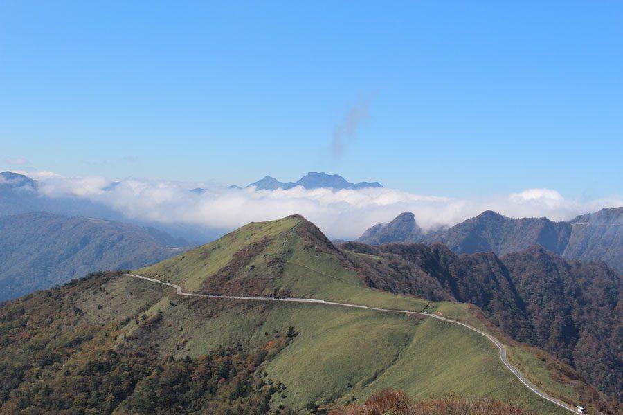 黒森山頂からは眼下にUFOラインがご覧いただけます。
