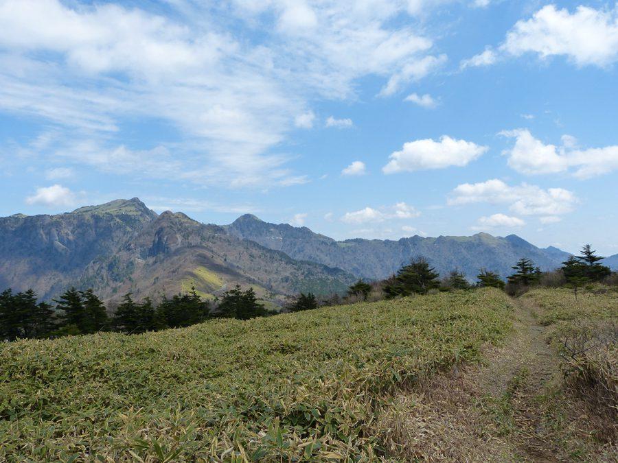 伊吹山からUFOラインを望む絶景