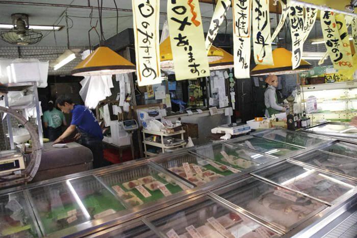 地元でも超有名!高知に150年あまり続く老舗の魚屋さんです。